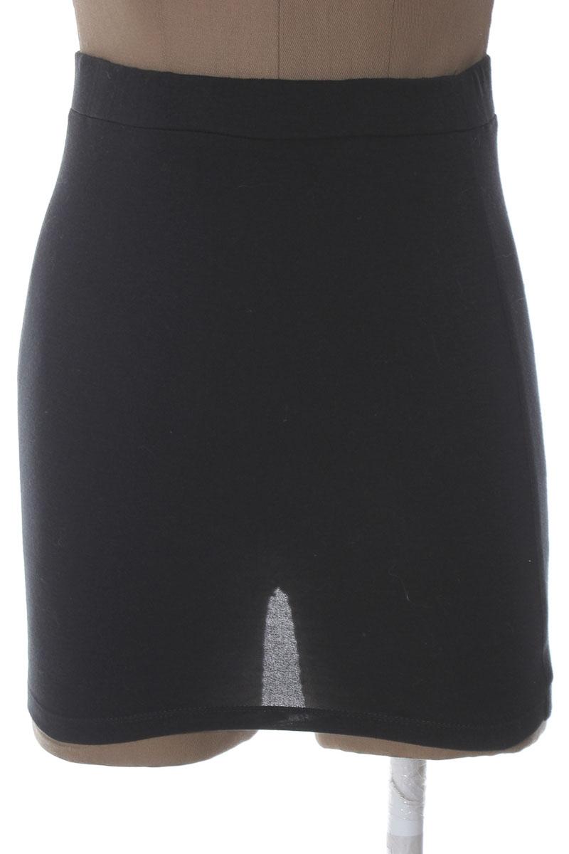Falda Casual color Negro - Closeando