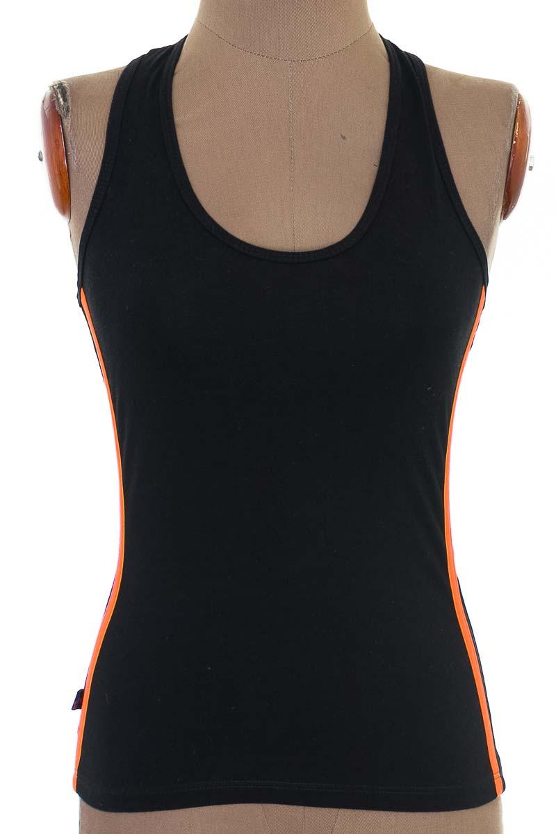 Top / Camiseta color Negro - Zaratosz