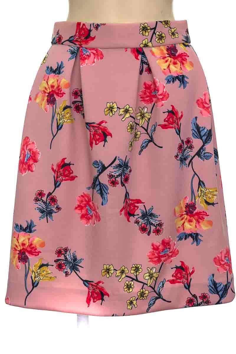 Falda color Rosado - Closeando