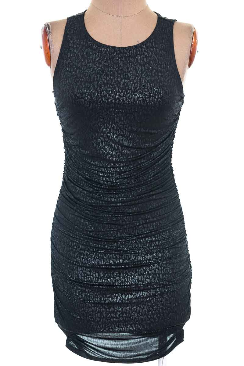Vestido / Enterizo color Negro - Forever 21