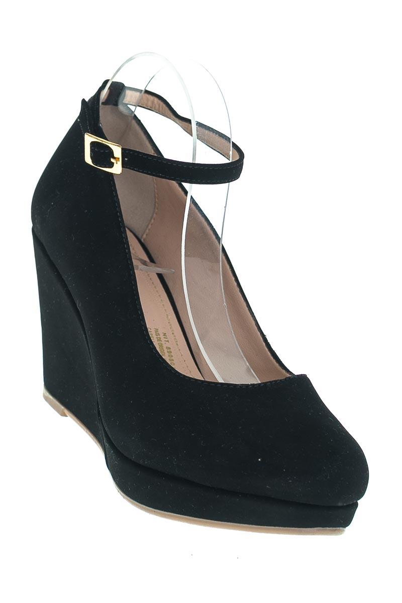 Zapatos color Negro - Bata