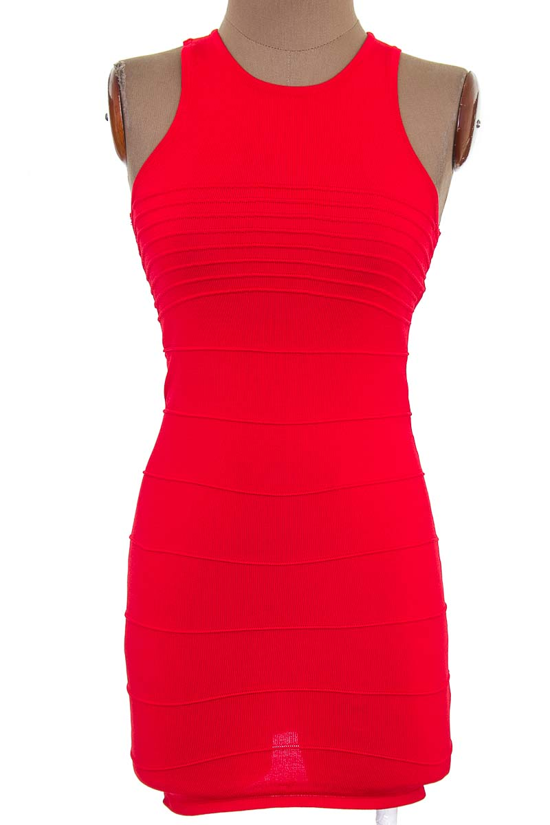 Vestido / Enterizo Casual color Rojo - Forever 21