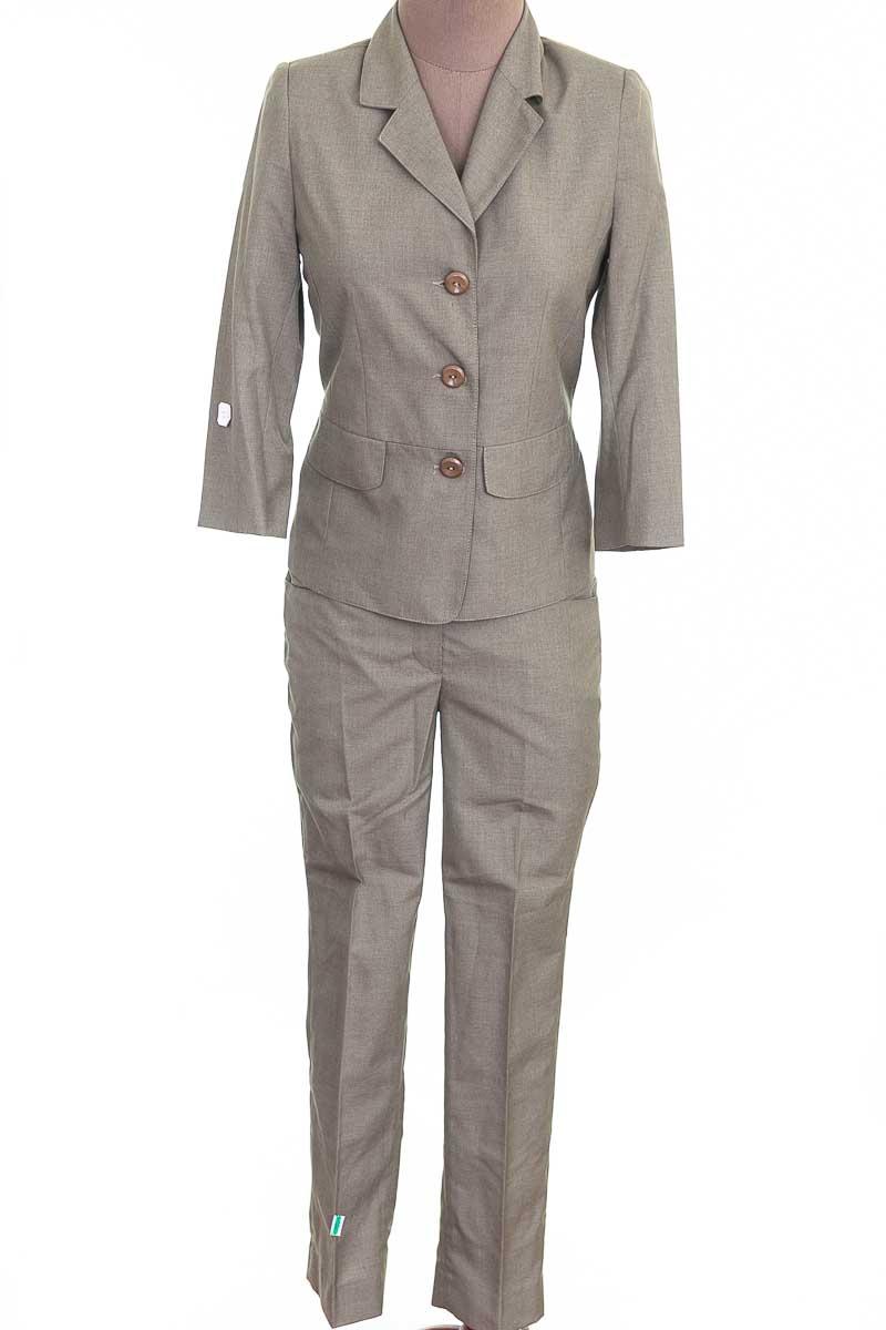 Conjunto Conjunto de Pantalón color Beige - Diseños Street Fashion