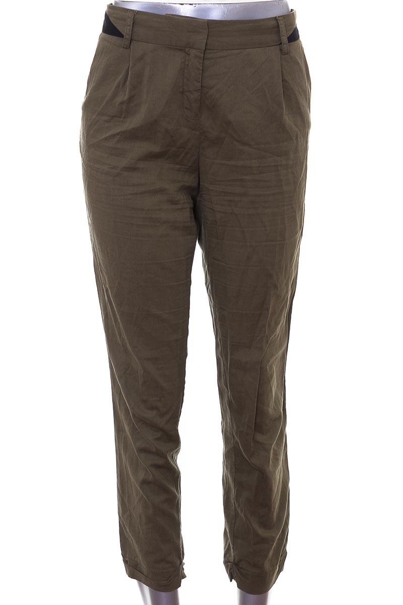 Pantalón Casual color Verde - NAF NAF