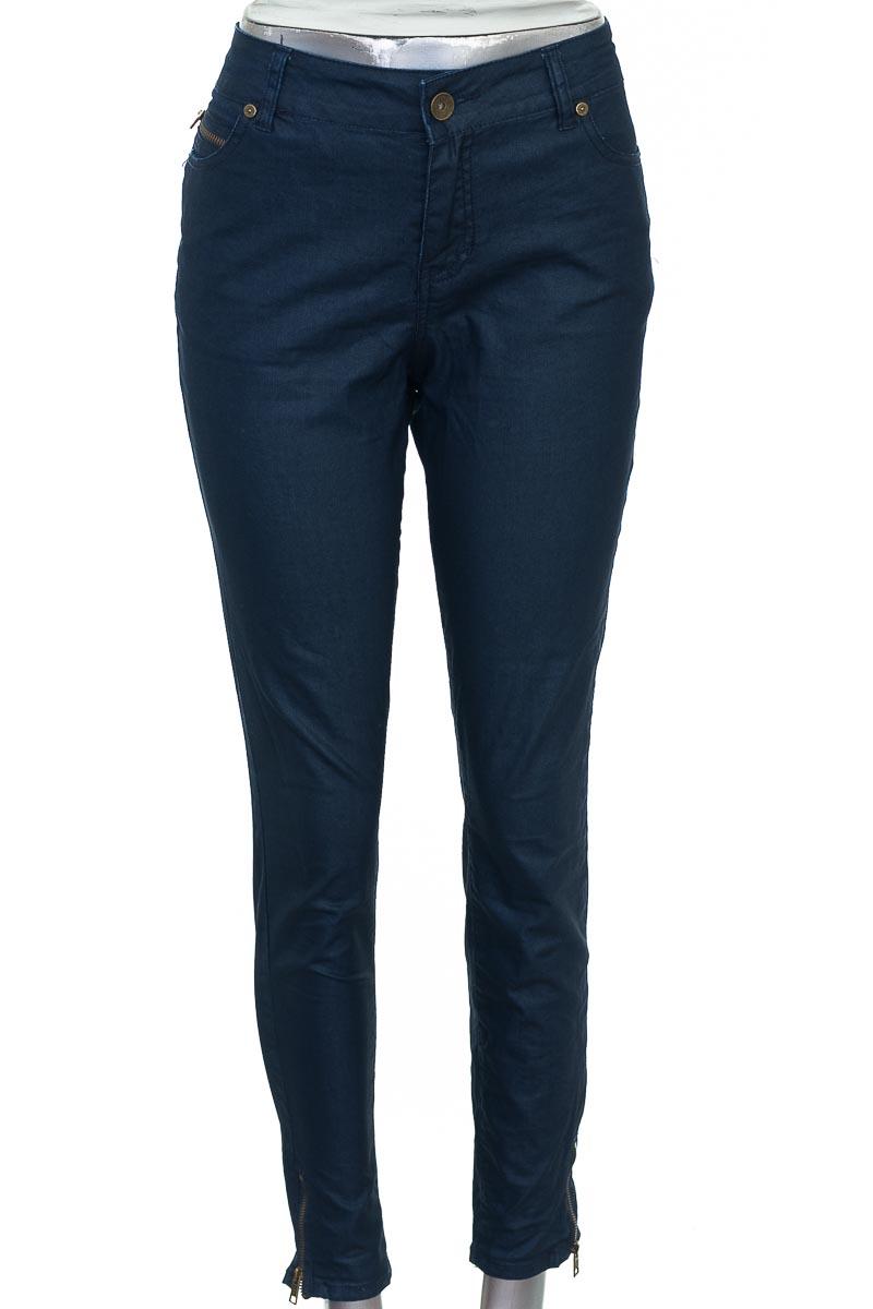 Pantalón Casual color Azul - Totto