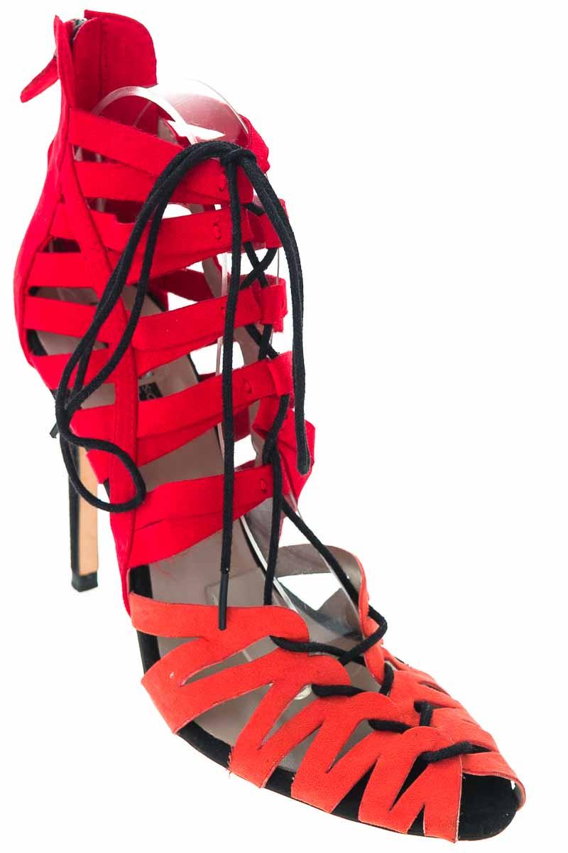 Zapatos color Rojo - Zara