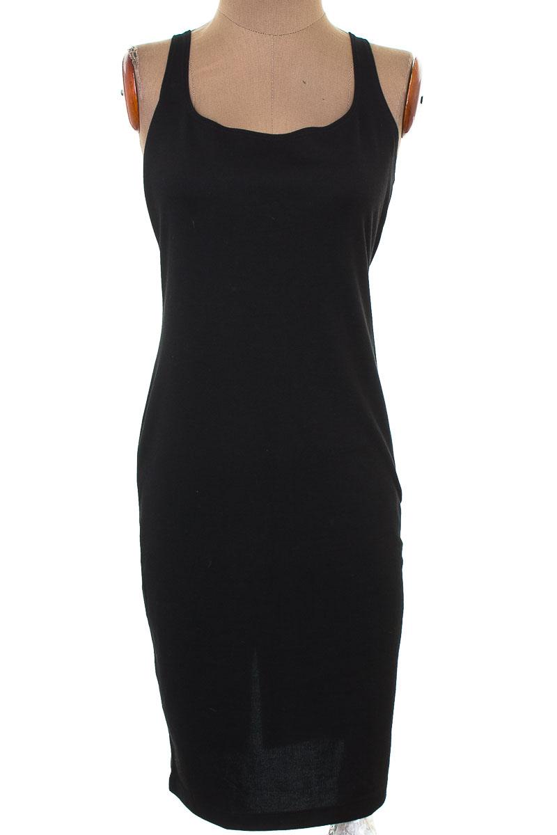 Vestido / Enterizo Casual color Negro - Zara