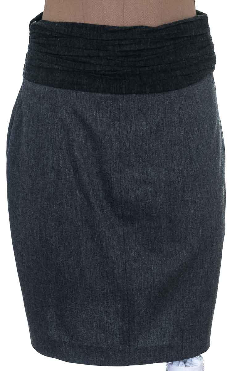 Falda Elegante color Negro - Zara