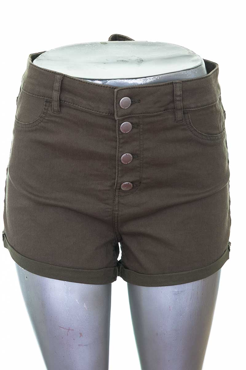 Short Casual color Verde - H&M