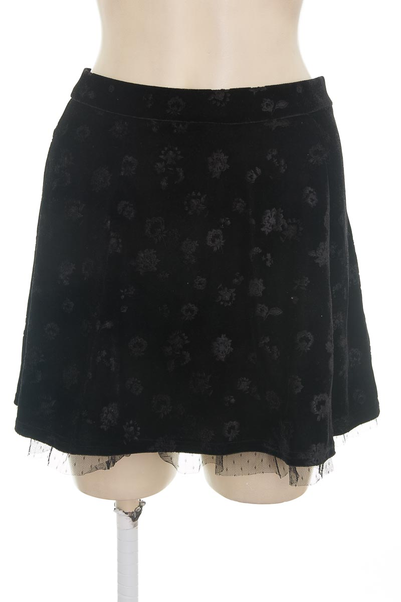 Falda color Negro - Bershka