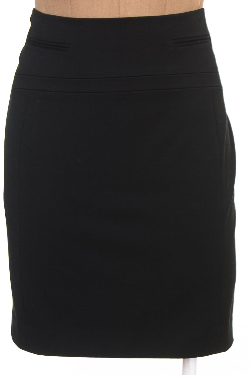 Falda color Negro - Express