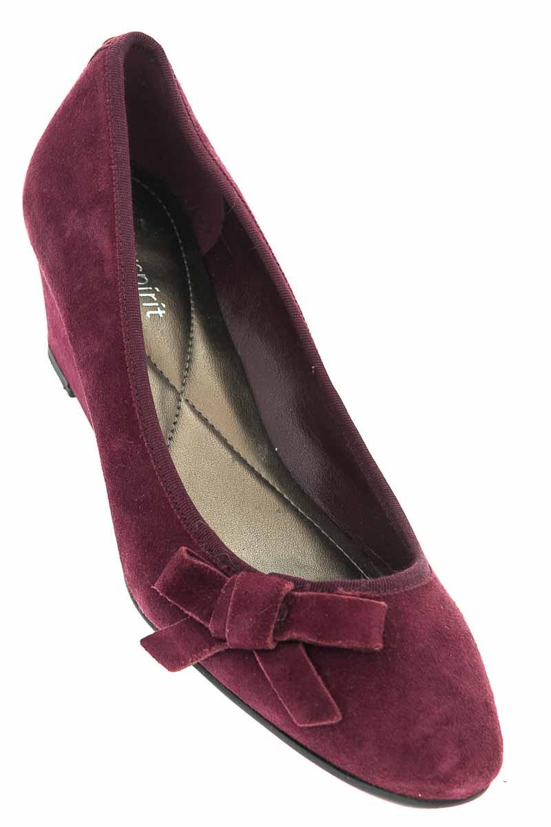 Zapatos color Vinotinto - easy spirit