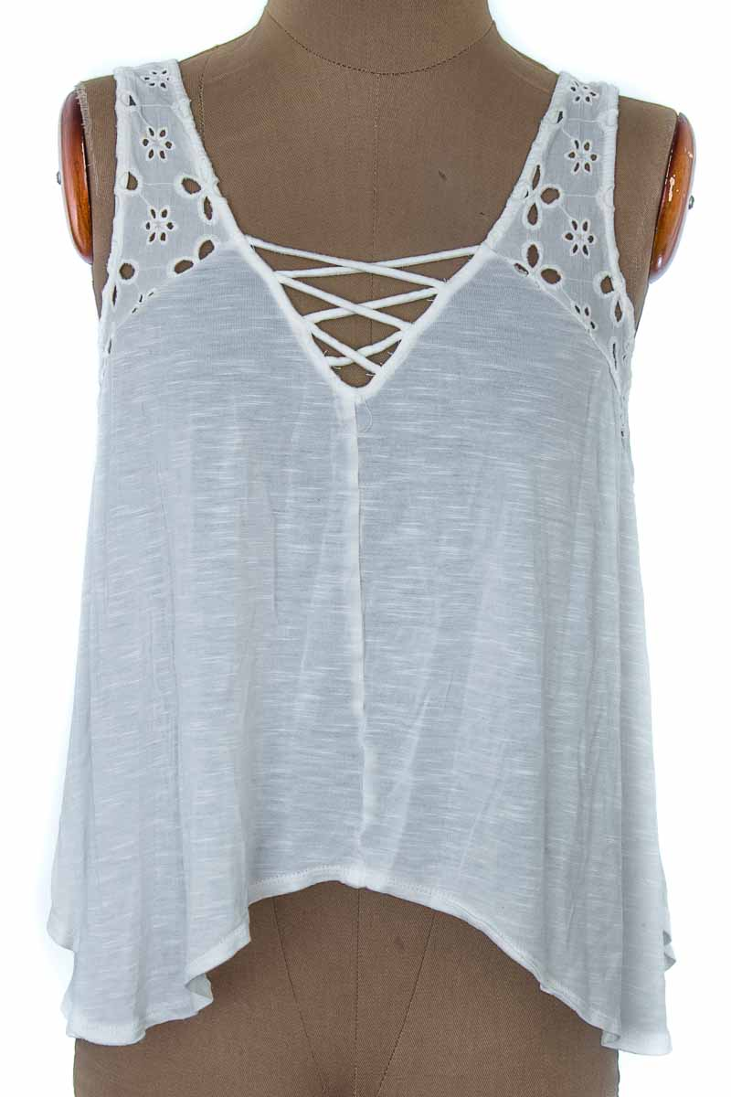 Top / Camiseta color Blanco - Forever 21