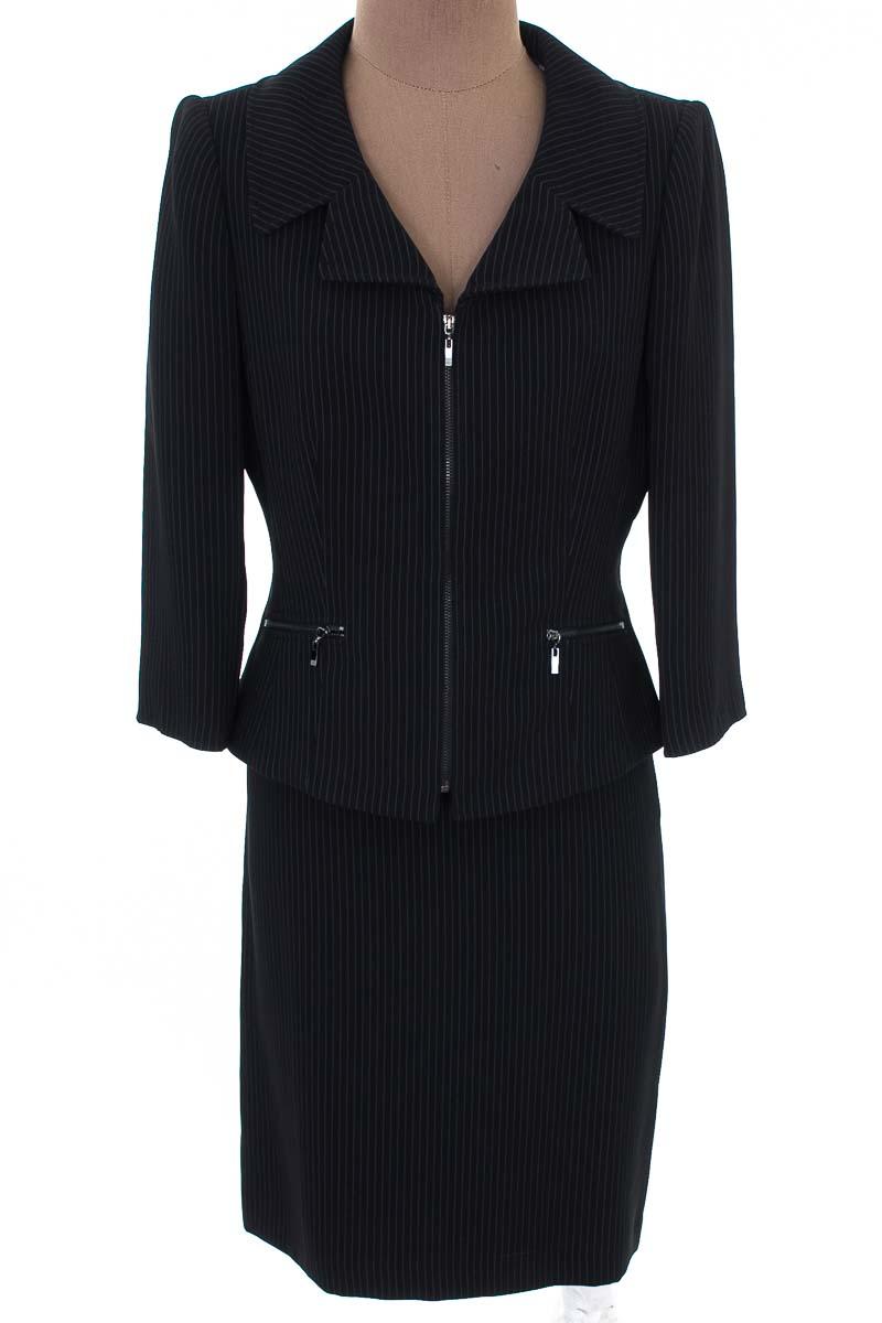 Conjunto Conjunto de Falda color Negro - Tahari