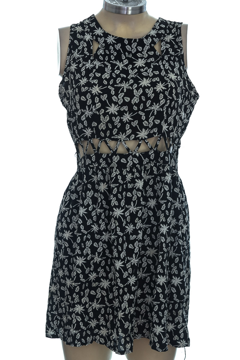 Vestido / Enterizo color Negro - Xing Wang
