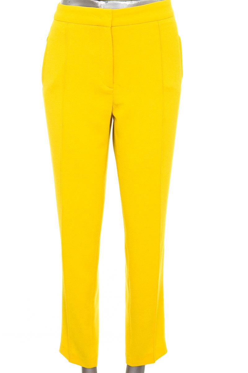 Pantalón Formal color Amarillo - Zara