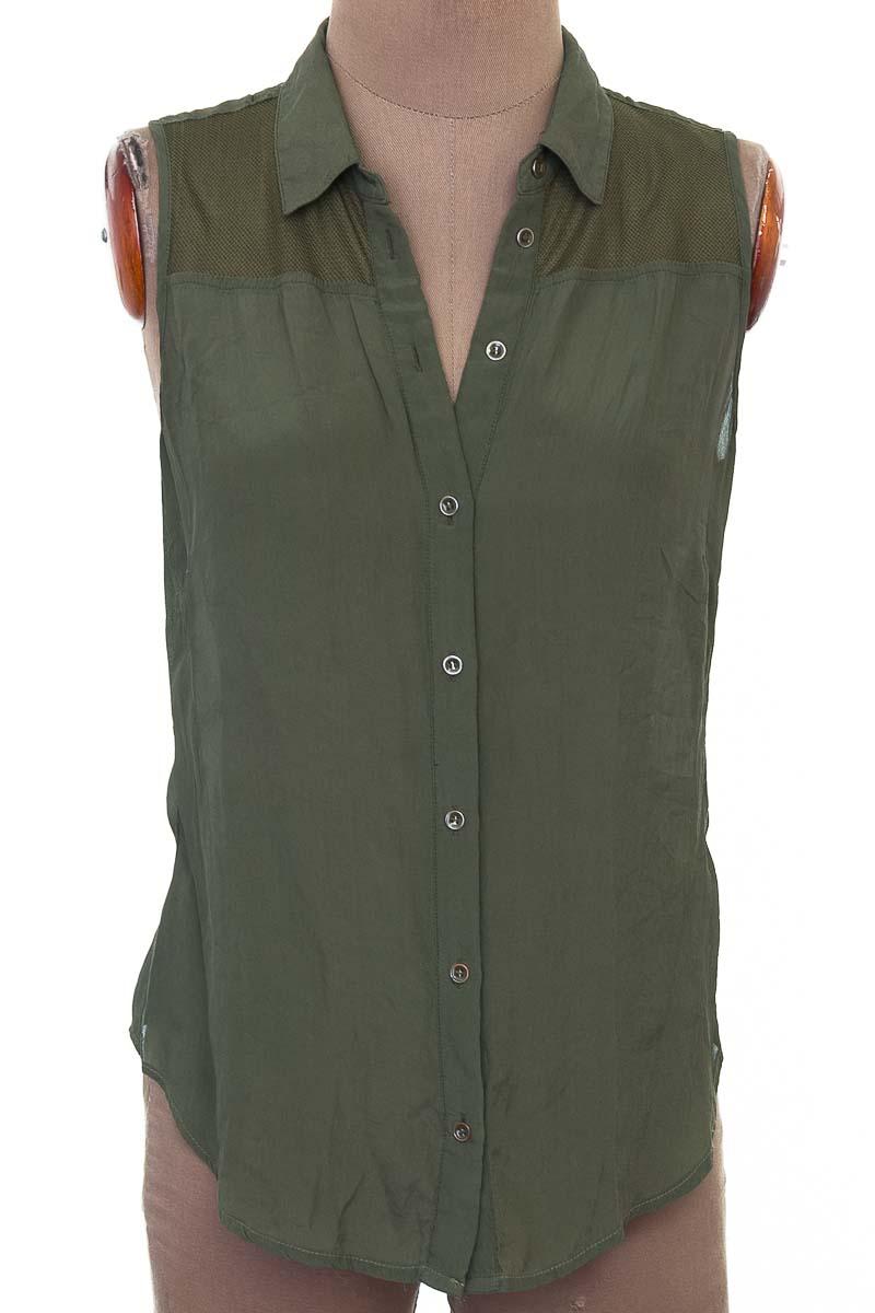 Top / Camiseta color Verde - NAF NAF