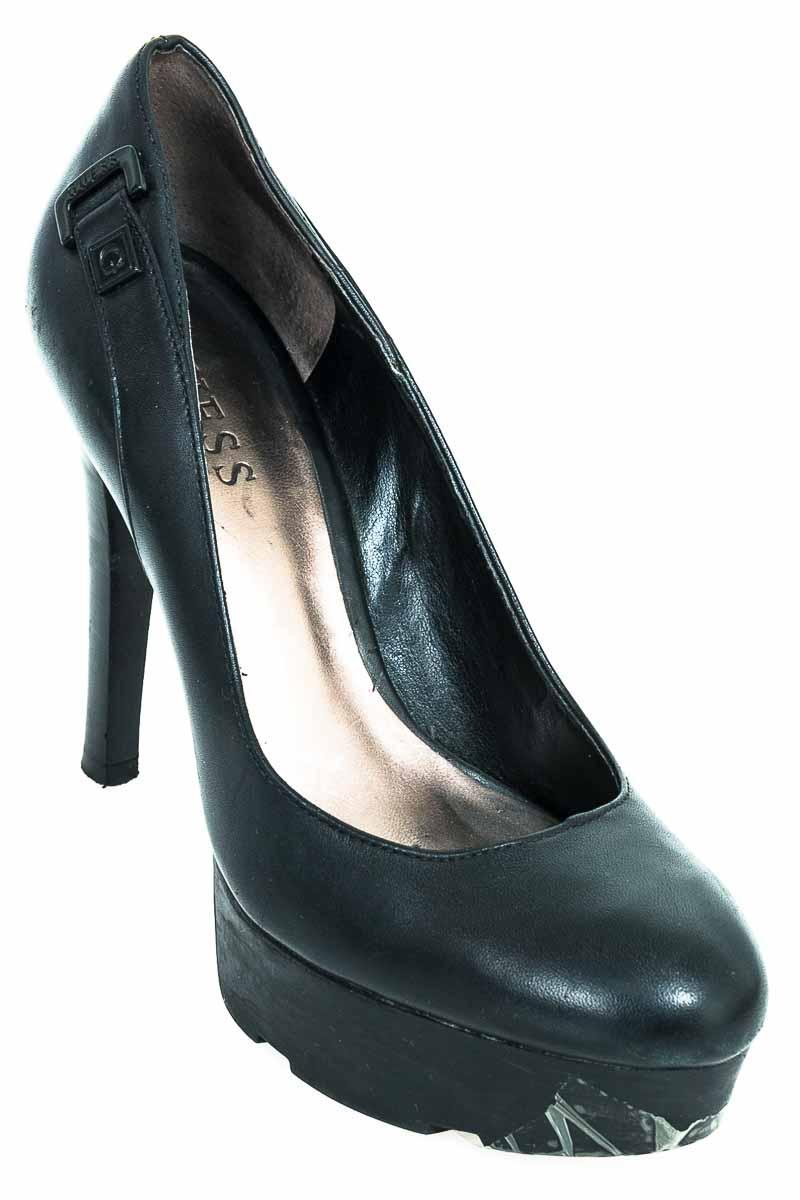 Zapatos color Negro - Guess