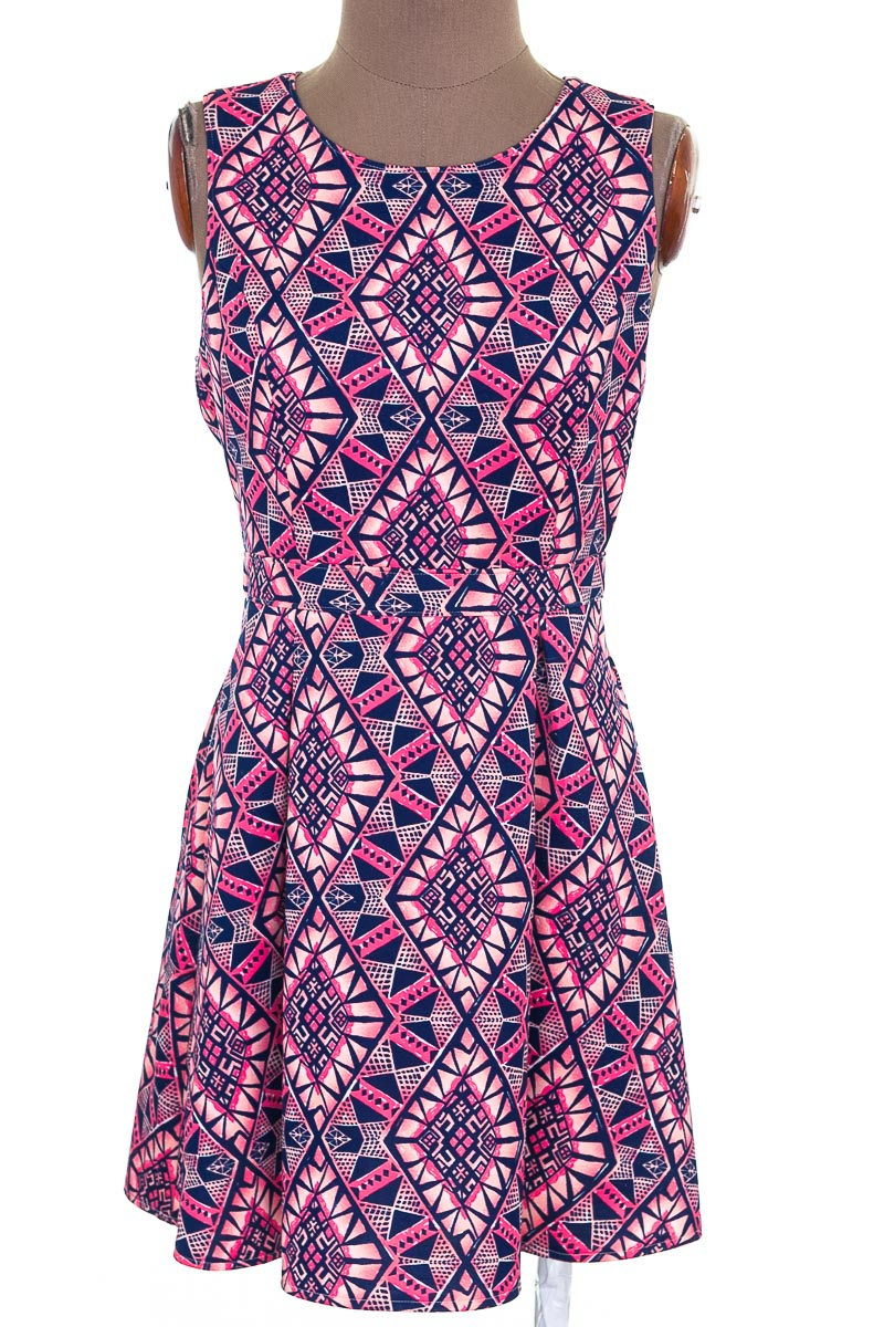 Vestido / Enterizo Casual color Rosado - Forever 21