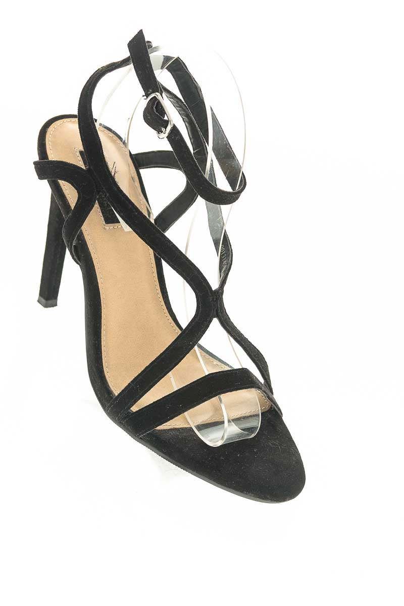 Zapatos color Negro - Forever 21