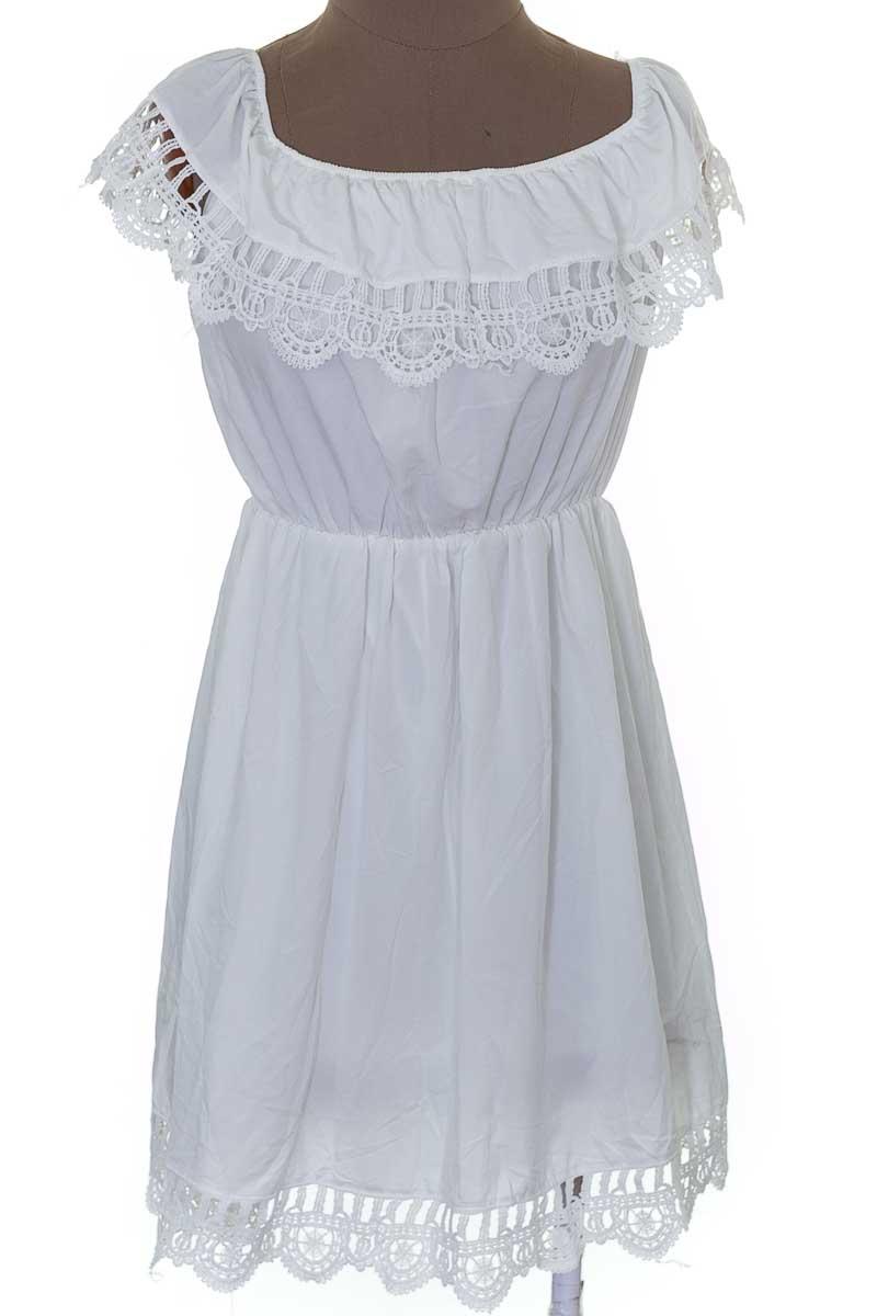 Vestido / Enterizo Casual color Blanco - Closeando