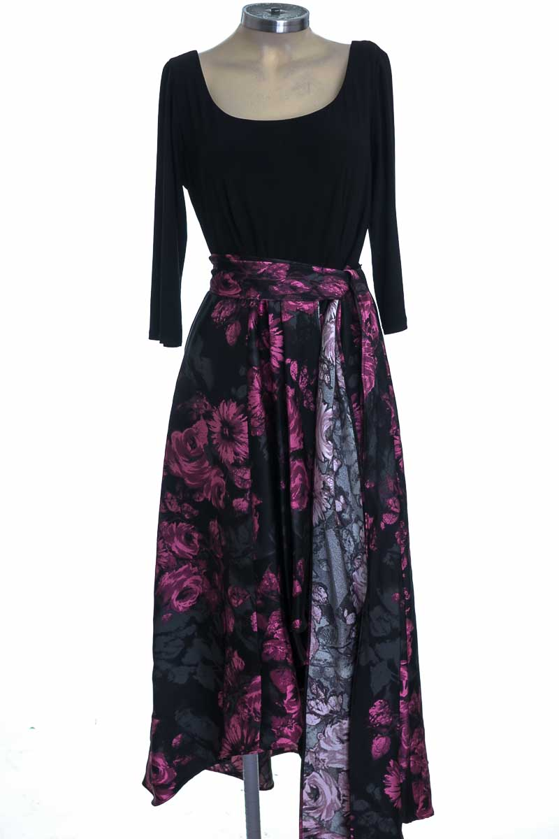 Vestido / Enterizo color Negro - R&M Richards
