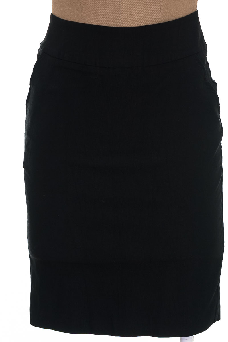 Falda Elegante color Negro - RAGGED