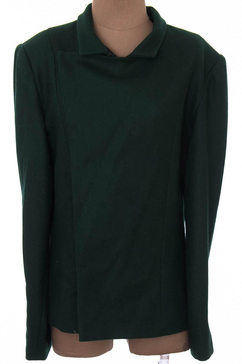 Chaqueta / Abrigo color Verde - Closeando