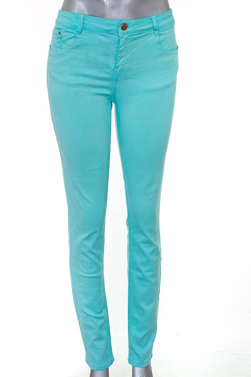 Pantalón color Aguamarina - Zara