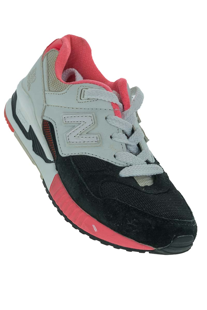 Zapatos Tenis color Negro - New Balance