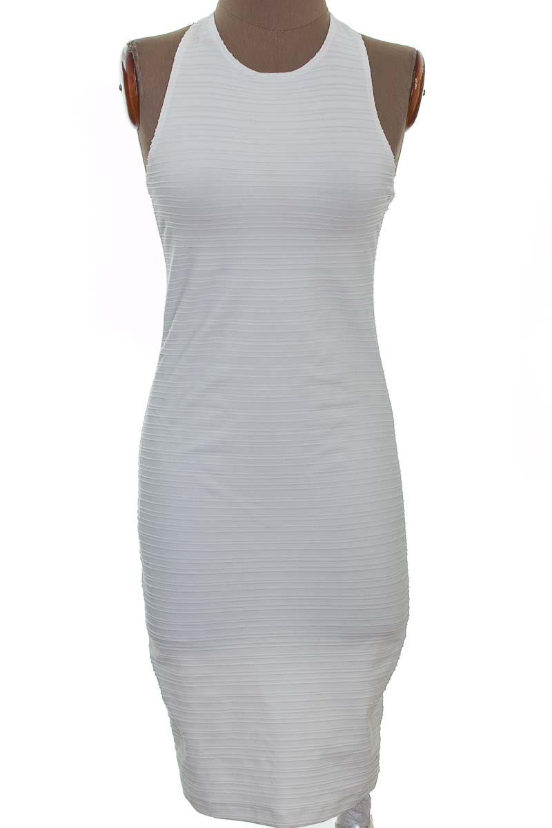 Vestido / Enterizo Fiesta color Blanco - Zara