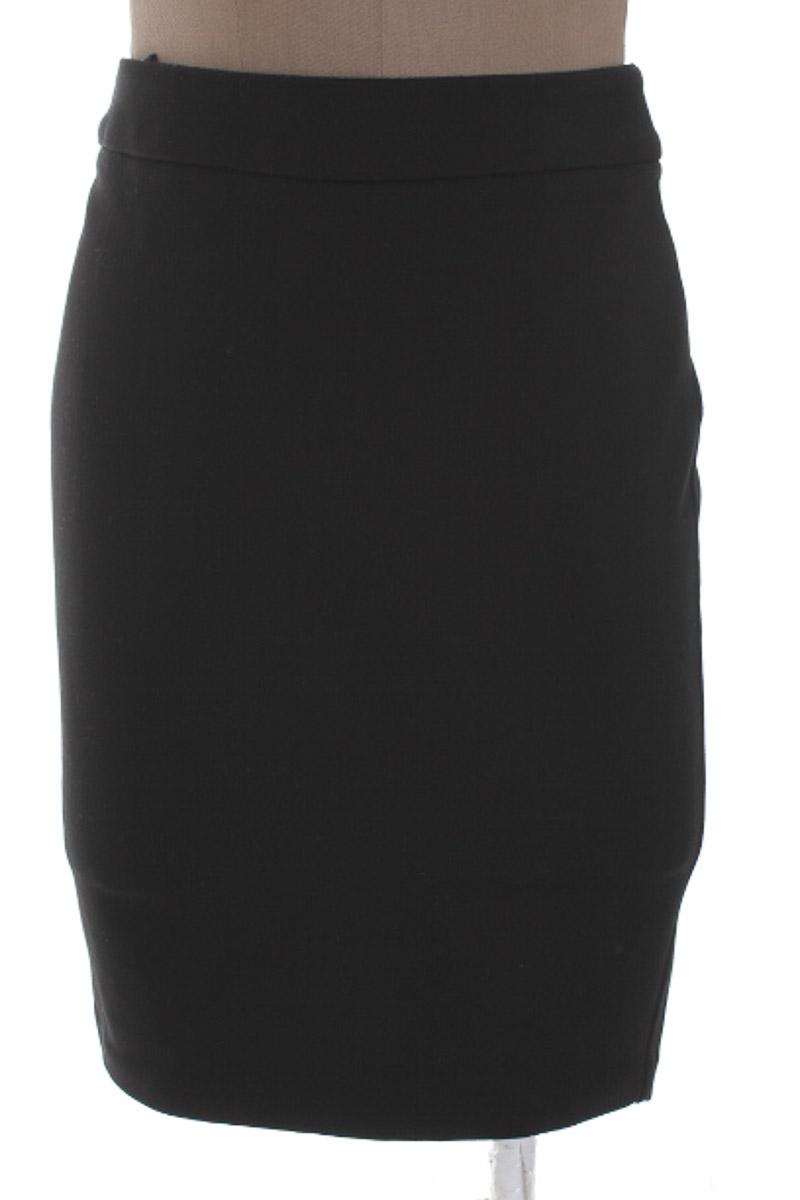 Falda Elegante color Negro - Studio F