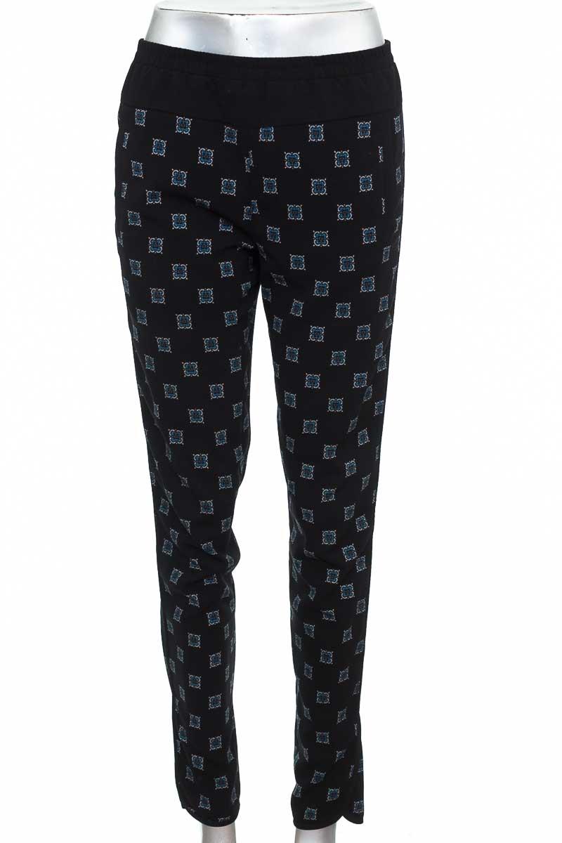 Pantalón Casual color Negro - BCBG