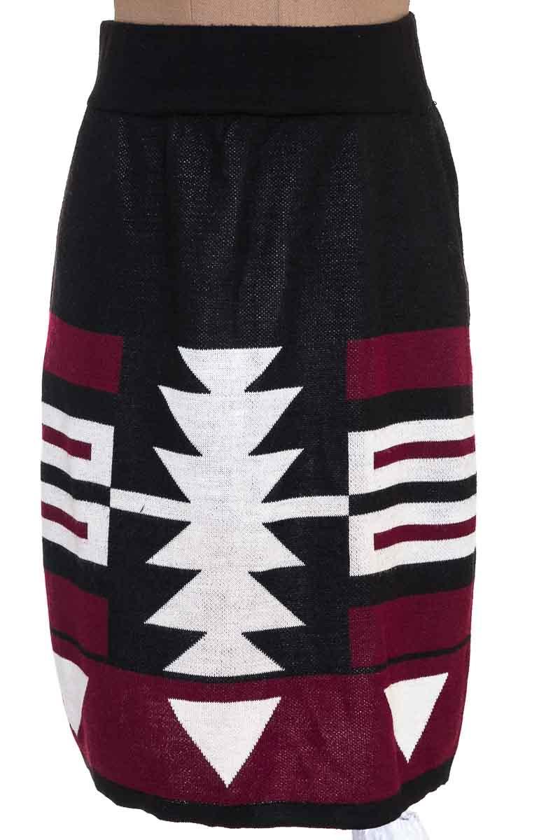 Falda color Negro - L&H