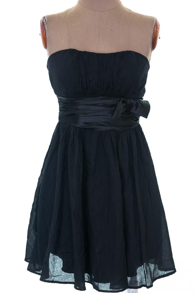 Vestido / Enterizo Fiesta color Negro - Forever 21