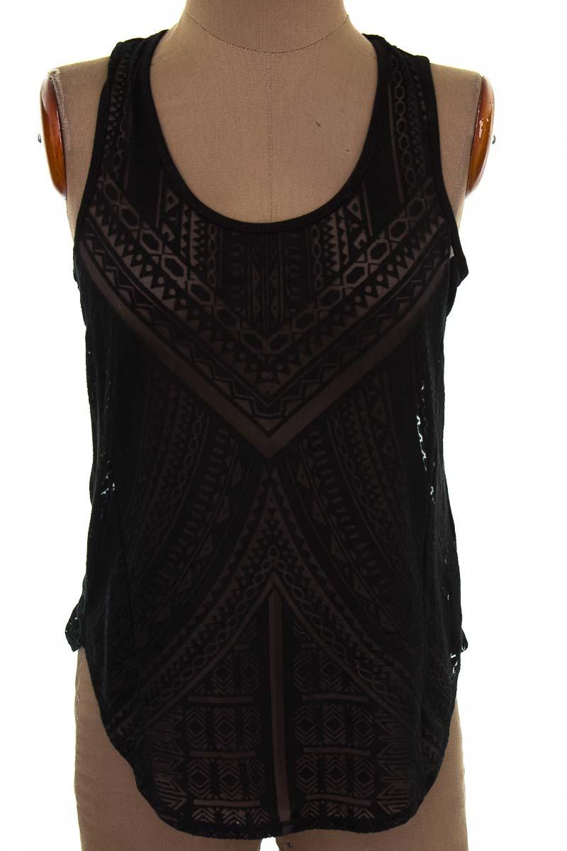Top / Camiseta color Negro - Mossimo