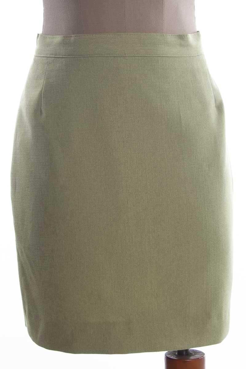 Falda Elegante color Verde - Closeando