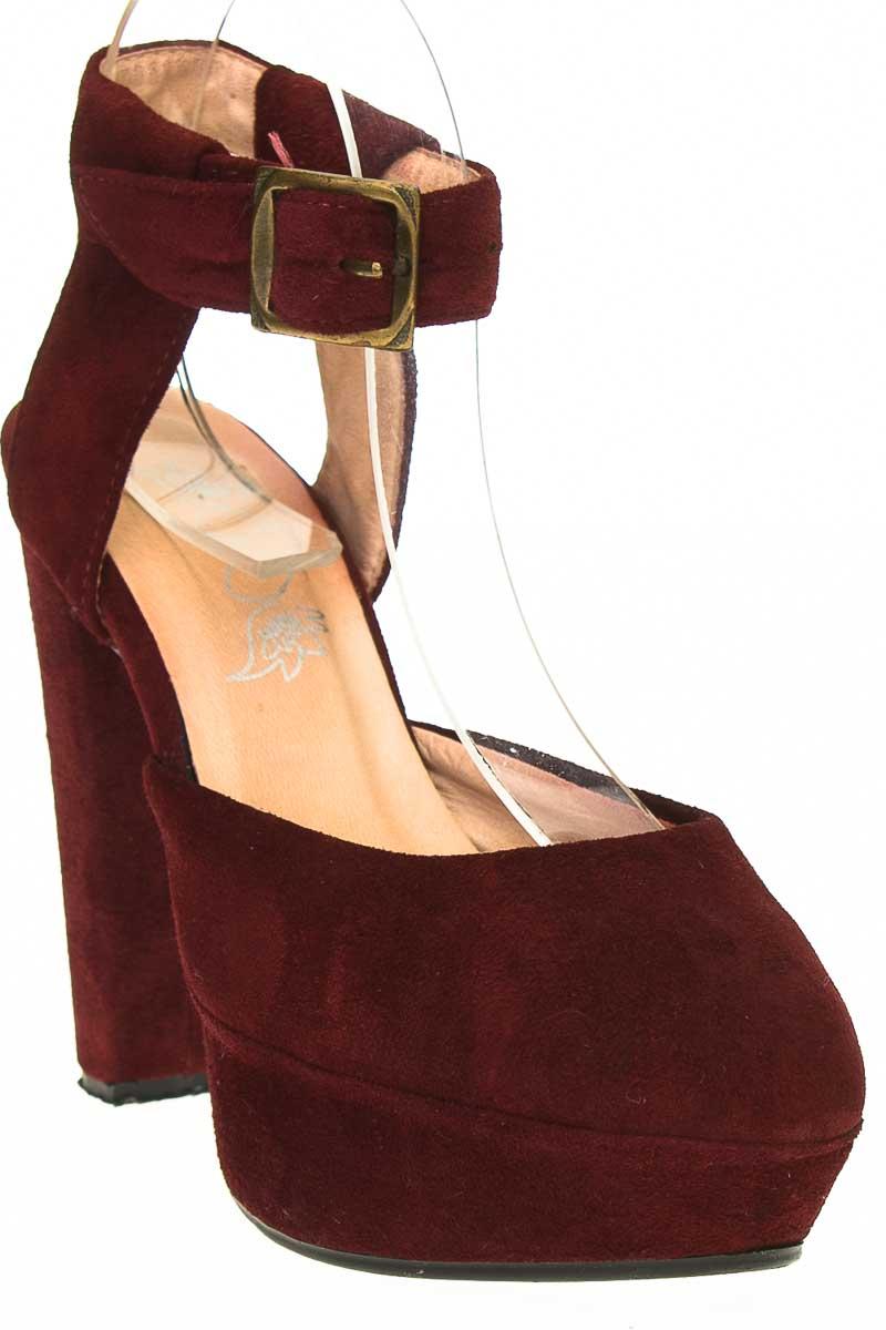 Zapatos Tacón color Vinotinto - Closeando
