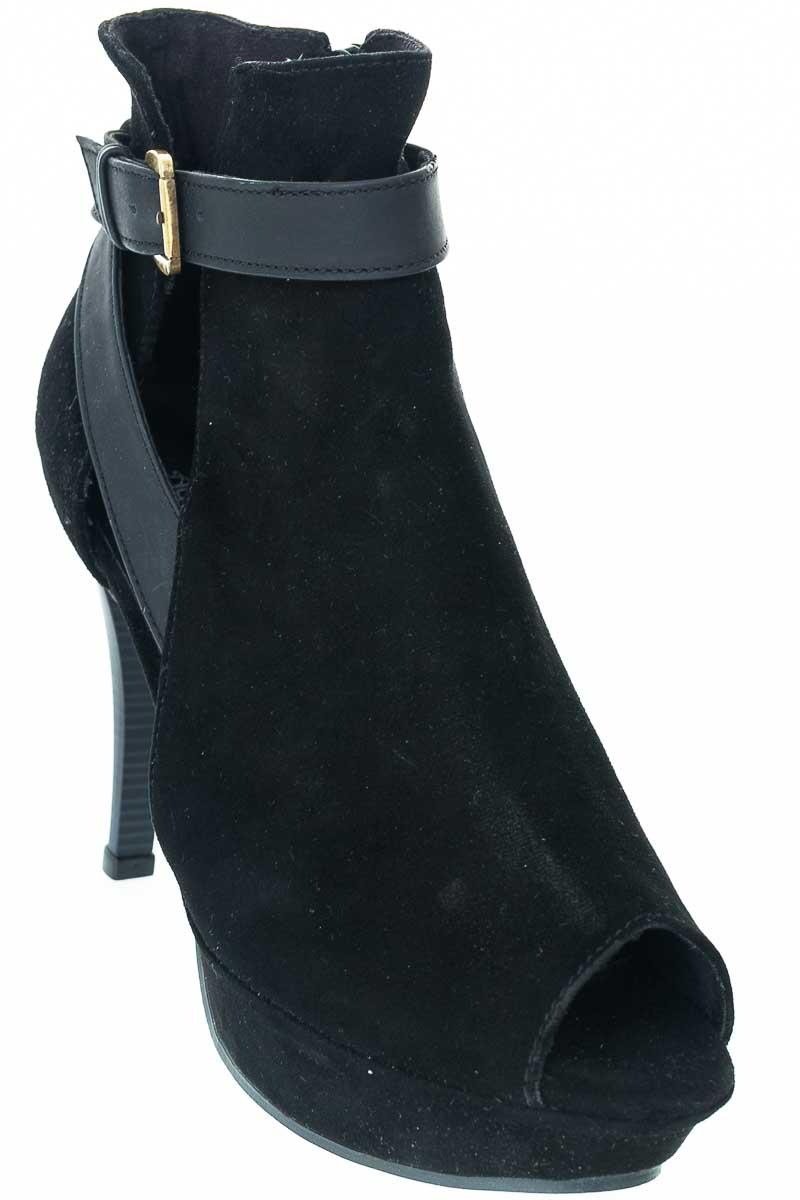 Zapatos Botín color Negro - Aguarella