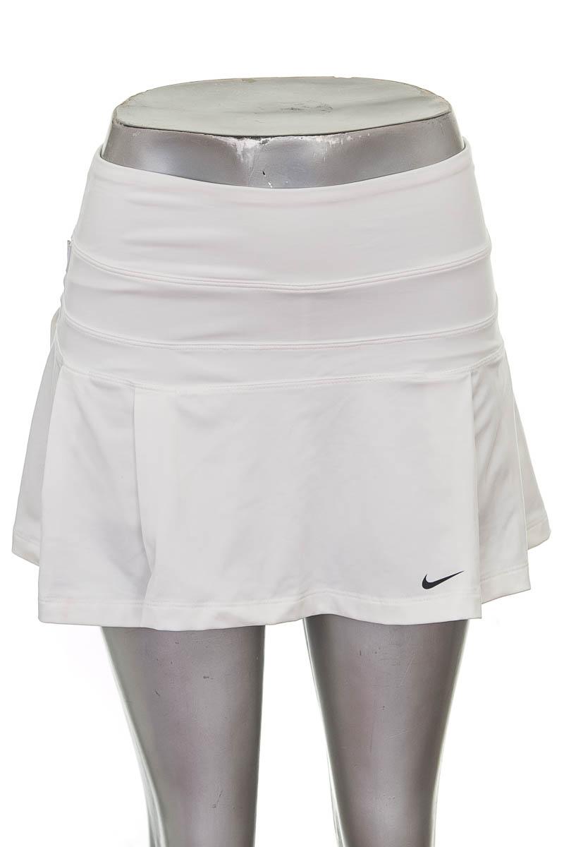 Ropa Deportiva / Salida de Baño Short Deportivo color Blanco - Nike