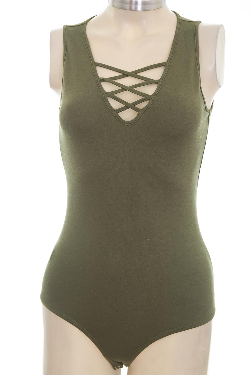 Top / Camiseta color Verde - Leonisa