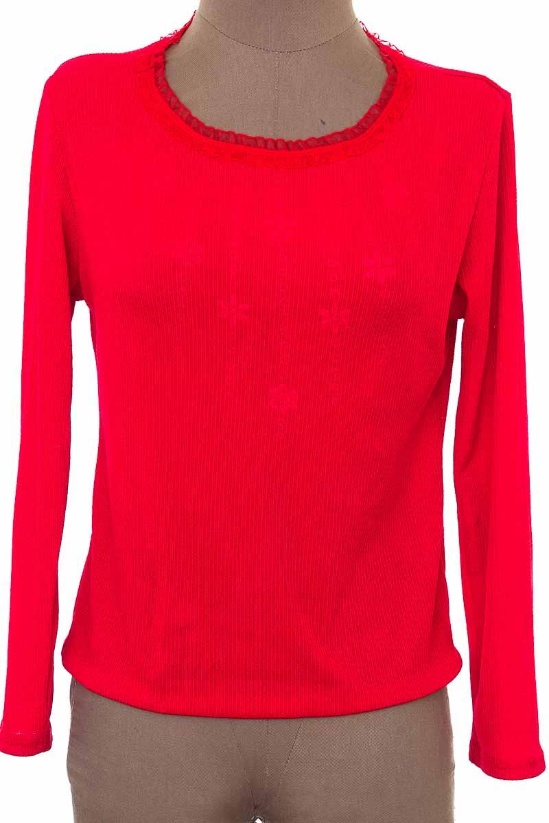 Sweater color Rojo - Closeando