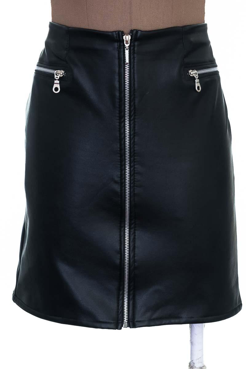 Falda Elegante color Negro - NATALY PRADA