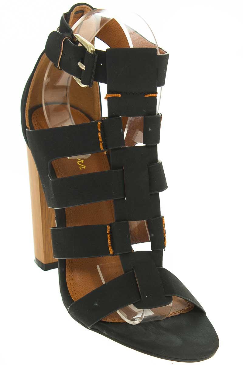 Zapatos Sandalia color Negro - Spurr