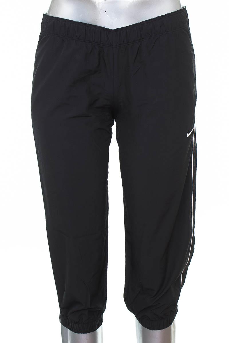 Ropa Deportiva / Salida de Baño Pantalón Deportivo color Negro - Nike