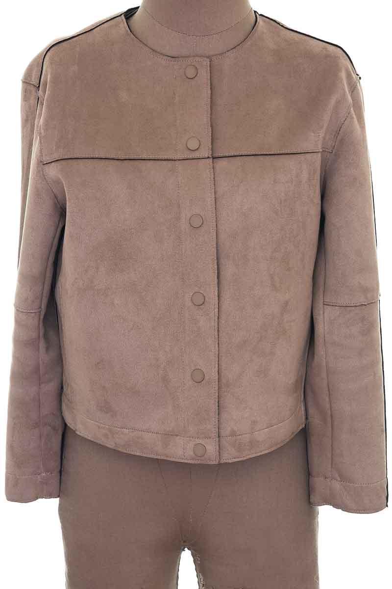 Chaqueta / Abrigo color Beige - Zara