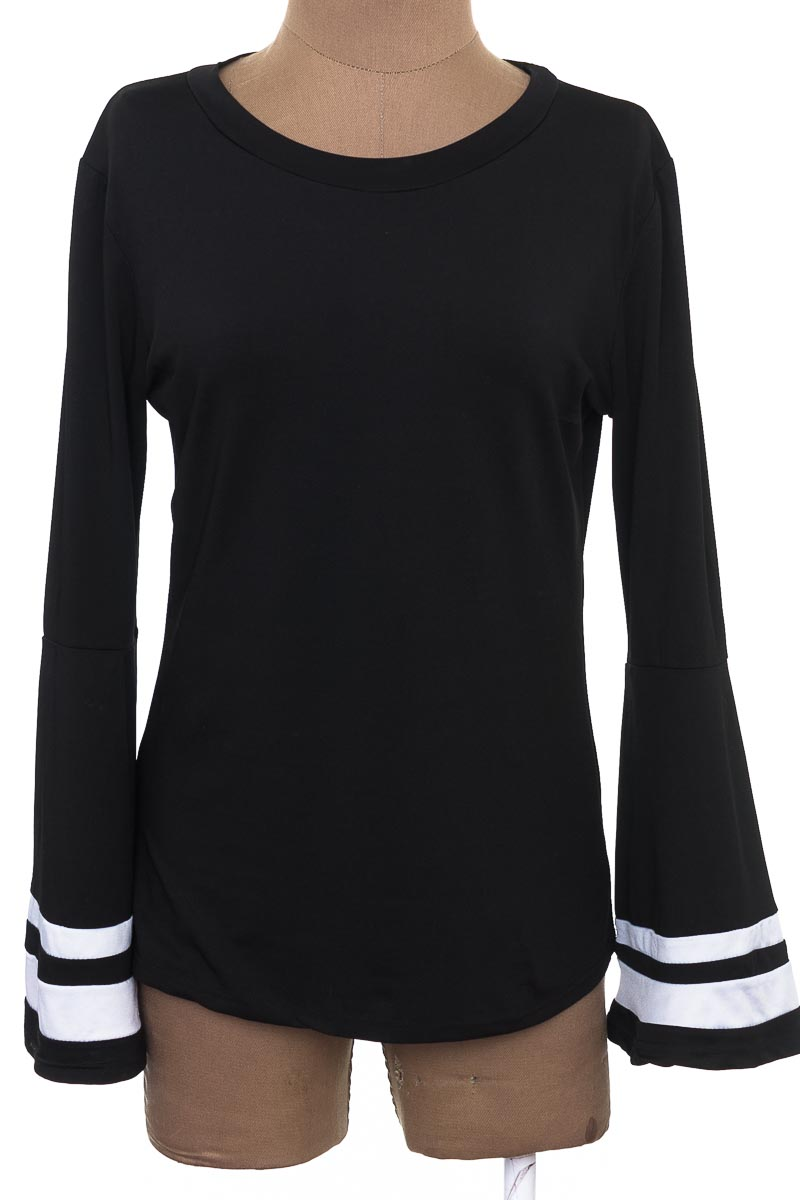 Blusa color Negro - Closeando