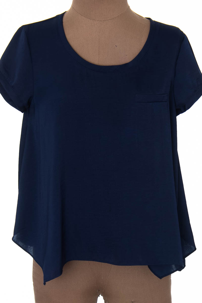 Top / Camiseta color Azul - BCBG