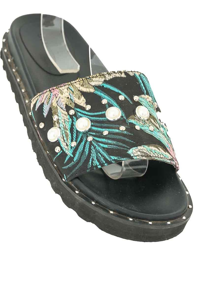 Zapatos color Negro - Studio F