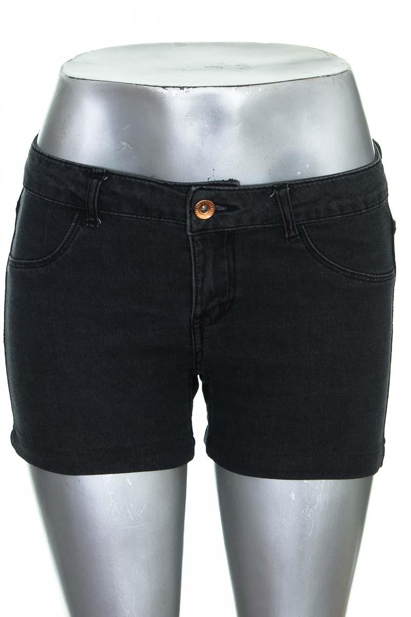 Short Jean color Negro - Pull & Bear